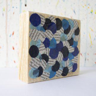 Art onder de riem upcycled blauw stippen
