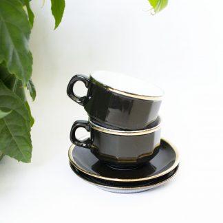 Vintage kop en schotel zwartbruin